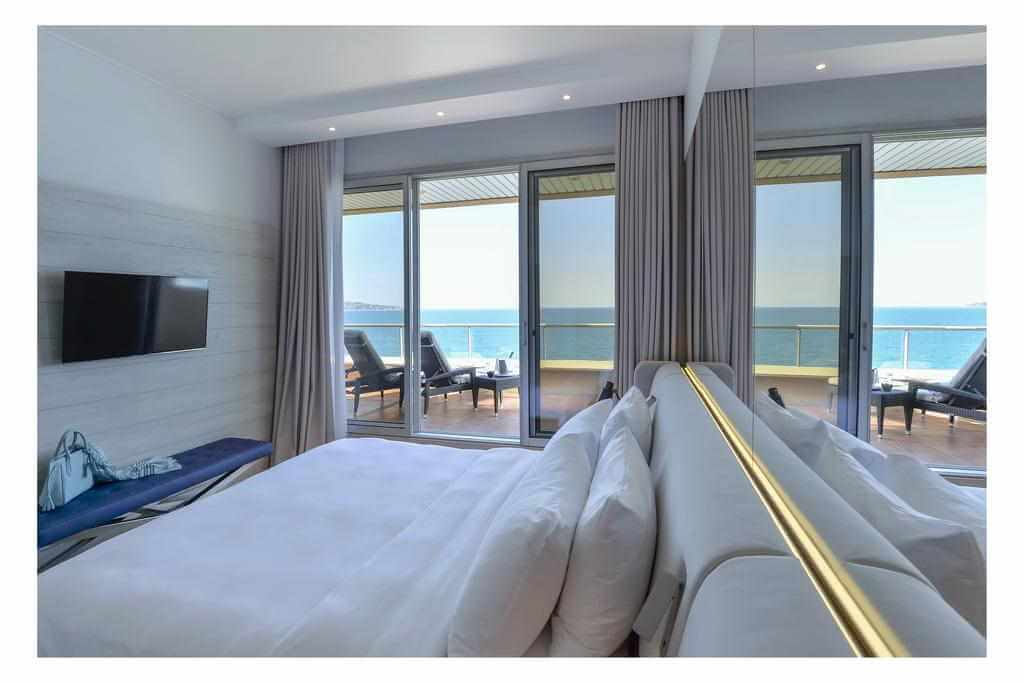 Radisson Blu Hotel Nice - by Booking