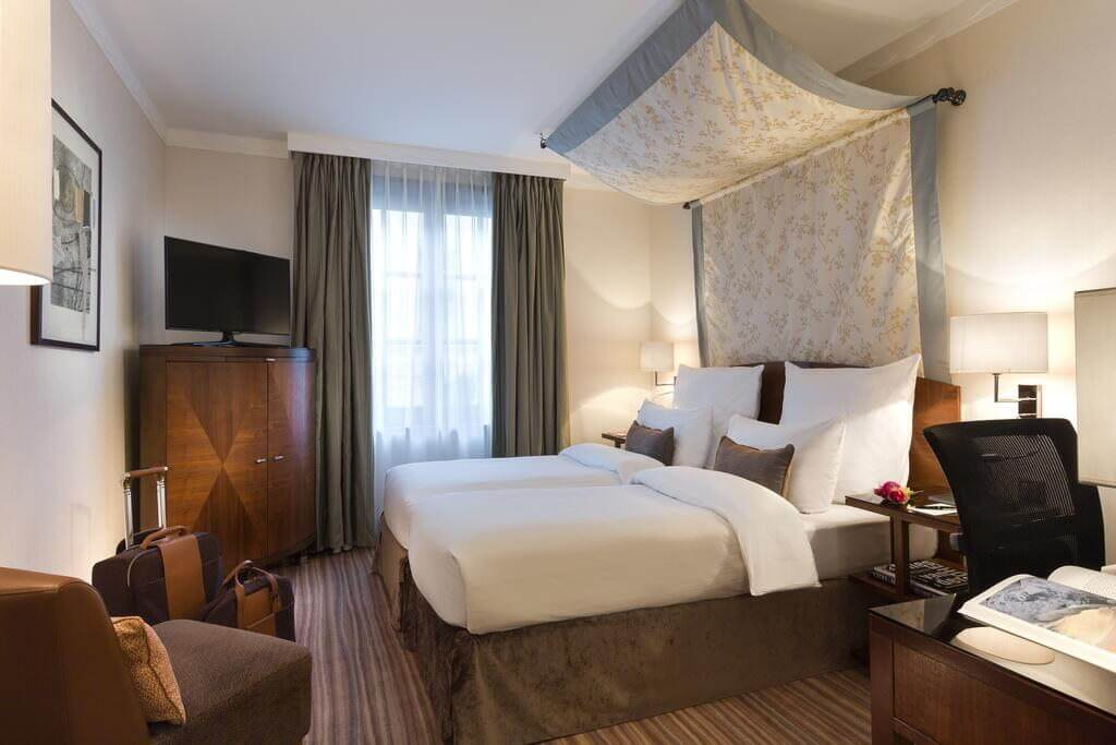 Warwick Brussels Grand Place - by Booking