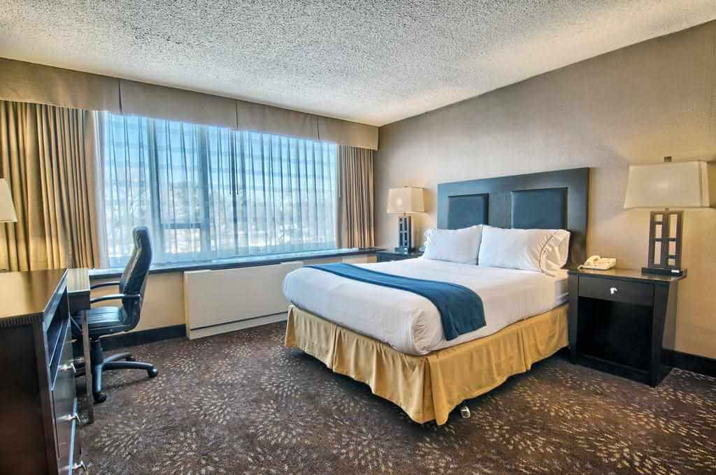 Holiday Inn Express, Birmingham, Michigan - by Booking
