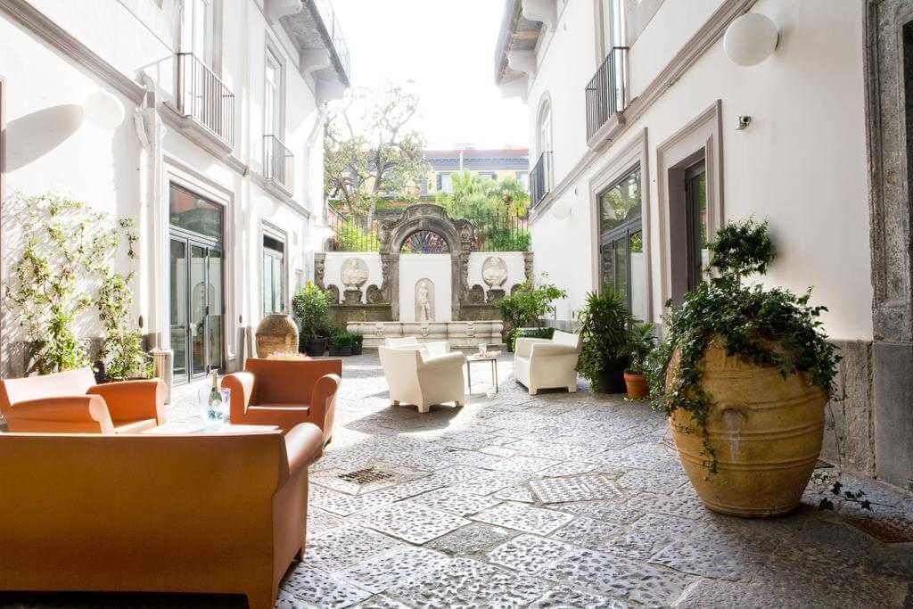 Hotel Piazza Bellini & Apartments, Naples - by Booking