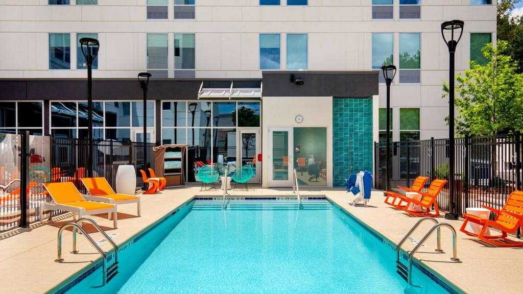 Aloft Austin Airport - by Booking