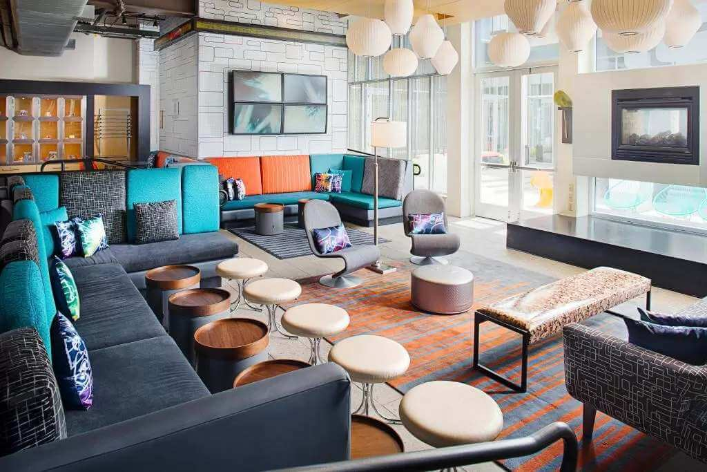 Aloft Philadelphia Airport - by Booking