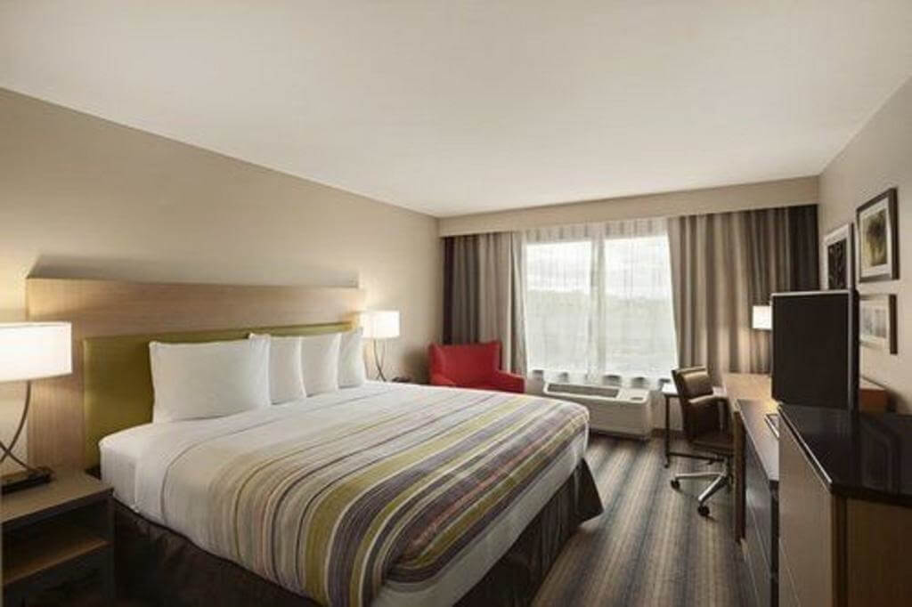 Country Inn & Suites by Radisson, Newark Airport, NJ - by Booking