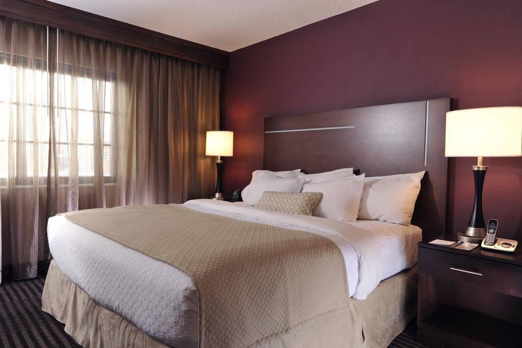Embassy Suites Des Moines Downtown - by Booking