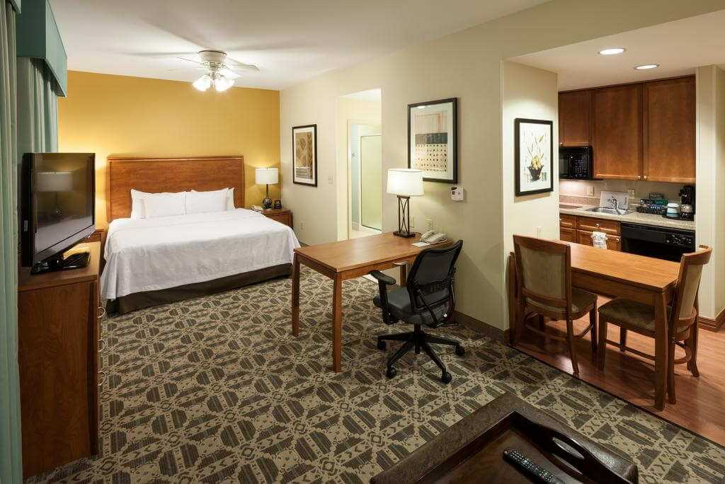 Homewood Suites by Hilton Irving-DFW Airport - by Booking