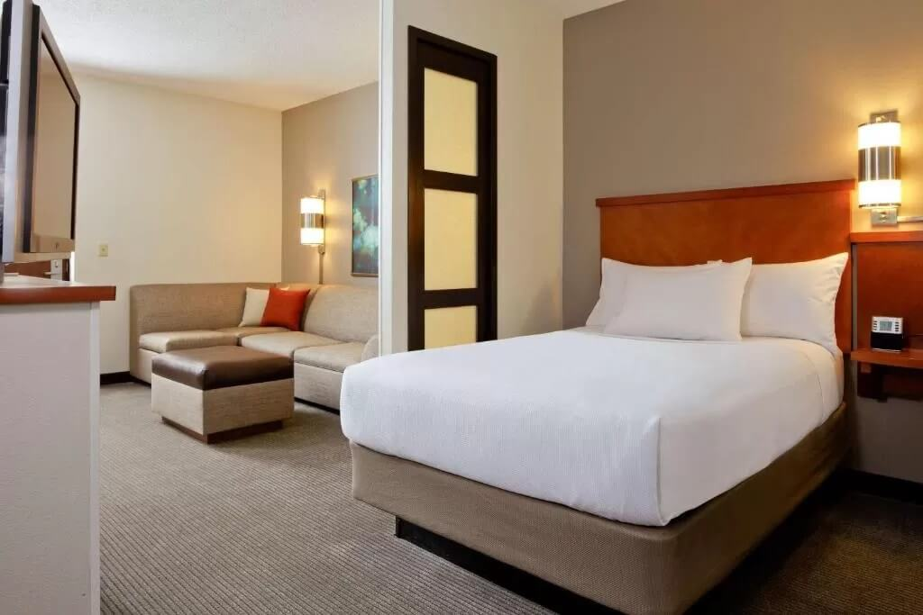 Hyatt Place Lake Pointe - by Booking