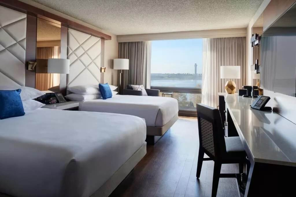 Kansas City Airport Marriott - by Booking