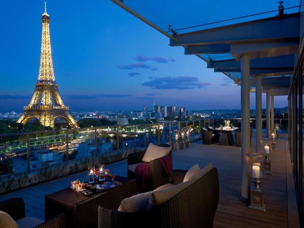 Shangri-La Paris - by Booking
