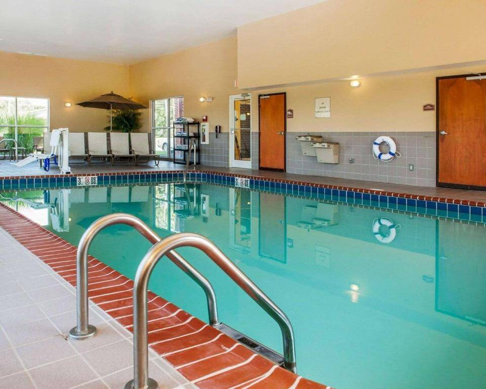 Comfort Suites French Lick - by Booking