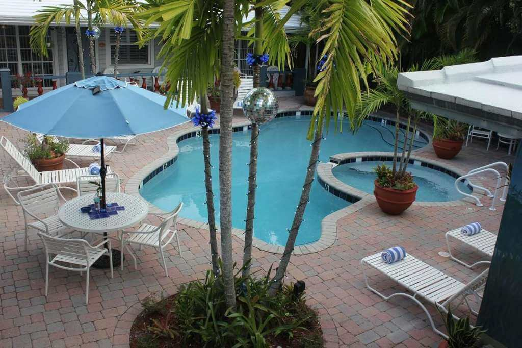 Coral Reef Guesthouse, Wilton Manors - by Booking