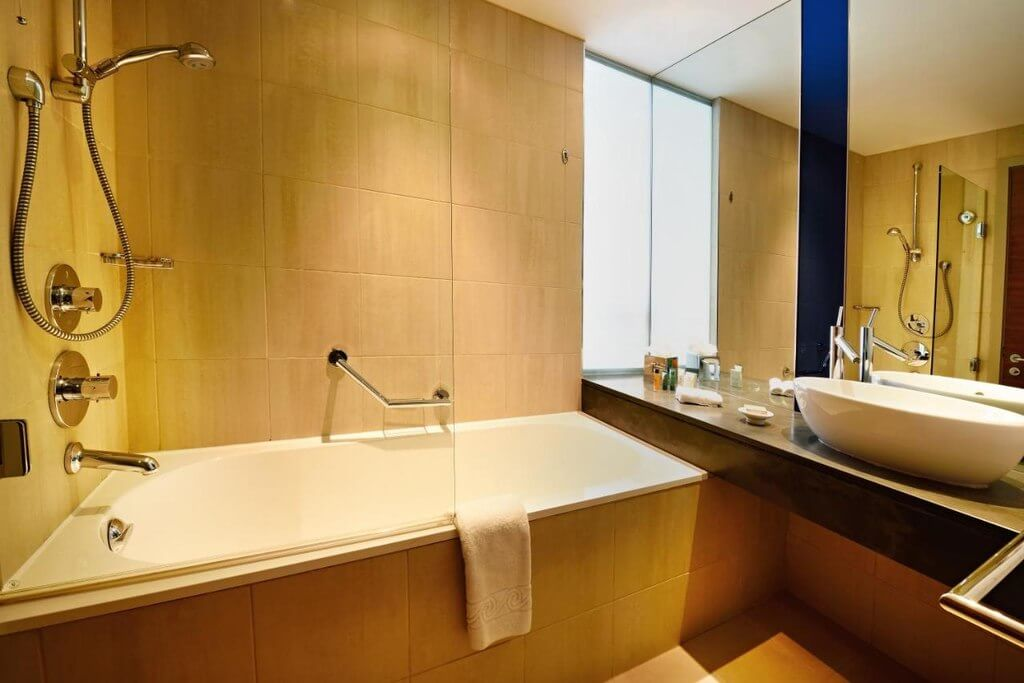 Hilton Manchester Deansgate - by Booking