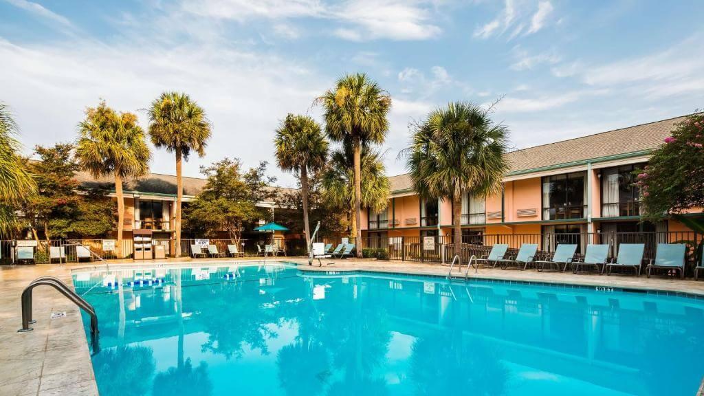Best Western Charleston Inn - by Booking